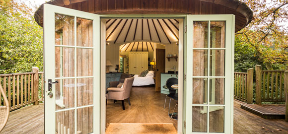 Harptree_court-front-view-through-french-doors-cropped