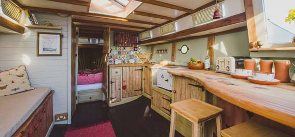 Wild-de-go, Cornwall_kitchen living area