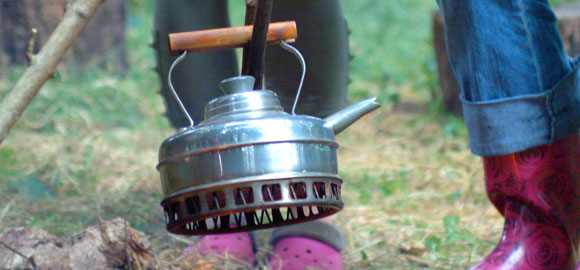 Kettle-over-fire-cropped