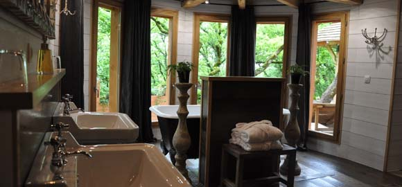 puyb ton treehouse spa dordogne canopy stars. Black Bedroom Furniture Sets. Home Design Ideas