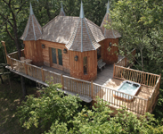 Treehouse holidays in the UK, France, Portugal & Italy