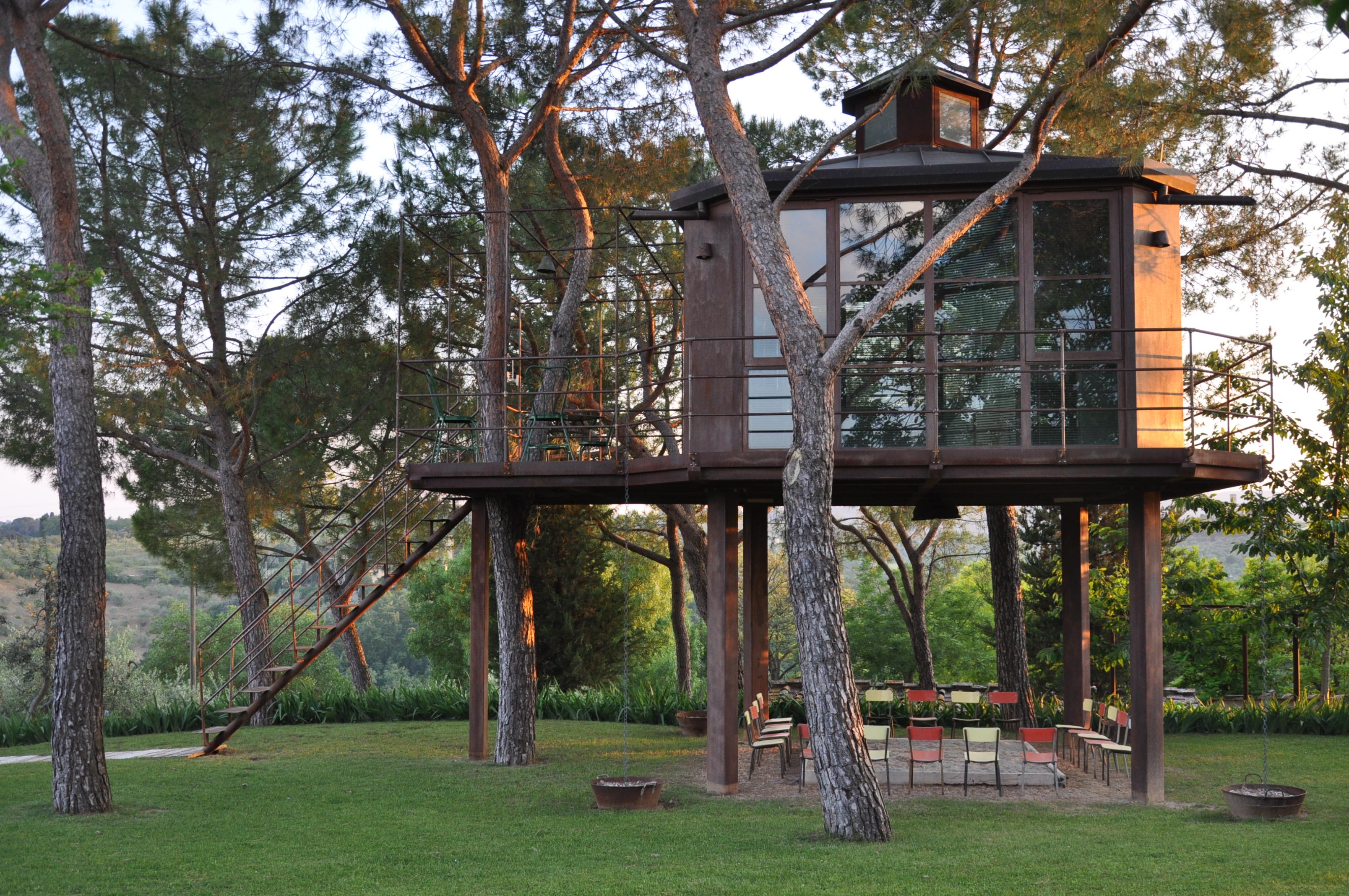 Treehouse at casa barthel canopy stars for Casa sull albero firenze