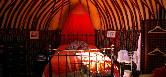 Inside-Chestnut-tree-Yurt